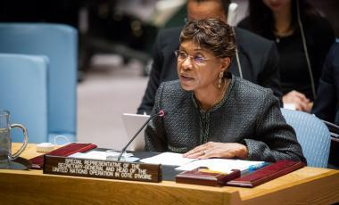 Représentante spéciale pour la Côte d'Ivoire et Chef de l'Opération des Nations Unies en Côte d'Ivoire (ONUCI) informe le Conseil de sécurité sur la situation dans ce pays. Photo ONU /Loey Felipe