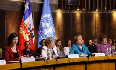 From left to right, Gülden Türköz-Cosslett, of UN Women; ECLAC Executive Secretary Alicia Barcena; Chilean President Michelle Bachelet; and Alejandrina Germán, Chair of the Regional Conference on Women in Latin America and the Caribbean. Photo: Carlos Ver